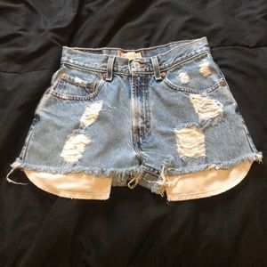 Super cute diy high waisted Levi shorts